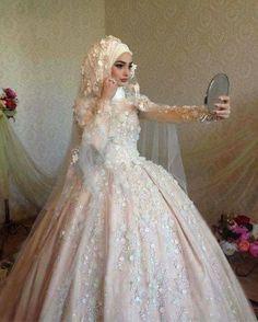 beauty, dress, and hijab resmi . beauty, dress, and hijab resmi Muslim Wedding Gown, Hijabi Wedding, Wedding Hijab Styles, Muslimah Wedding Dress, Muslim Wedding Dresses, Dream Wedding Dresses, Bridal Dresses, Dress Muslimah, Prom Dresses