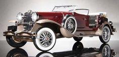 El Duesenberg J formaba parte de las carrozas de lujo americanas más populares y más rápidas, pero también más caras de la época. Los pocos elegidos que po
