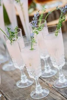 52 Yummy and Creative Signature Wedding Drinks | http://www.deerpearlflowers.com/52-yummy-and-creative-signature-wedding-drinks/