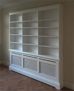 Built shelves around radiator cabinet Bungalow Interiors, Dining Room Shelves, Cottage Living Rooms, Bookcase, Radiators, New Living Room, Front Rooms, House Heating, Radiator Cover