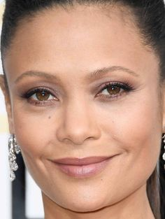 Close-up of Thandie Newton at the 2017 Golden Globe Awards.