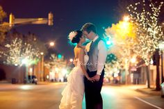 SUCH a gorgeous use of street lights in this couple's photo by Arden Prucha