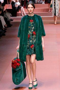 Coleção // Dolce & Gabbana, Milão, Inverno 2016 RTW // Foto 11 // Desfiles // FFW
