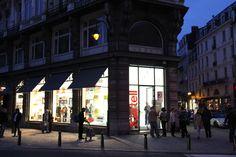 Kartell Flagship Store Brussels www.dcorner.be - 2013 -