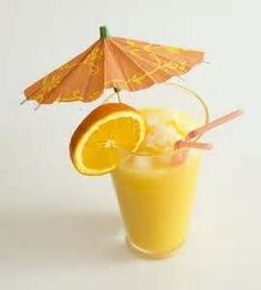 How to Make Paper Drink Umbrellas How to Make Paper Drink Umbrellas – Cocktails and Pretty Drinks Tortuga Rum Cake, Cocktail Recipes, Cocktails, Orange Drinks, Best Bbq, Like Chocolate, How To Make Paper, Simple Pleasures, Fun Drinks