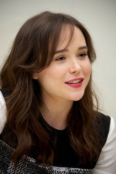 Ellen Page ♡♡♡ She is so beautiful. Like a little girl I just want to look at her and go Awww.....