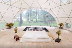 Yurt on a farm in upstate NY - 7 Amazing Mid-Winter Escapes | Design*Sponge