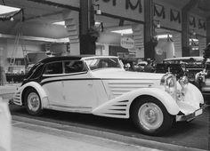 1934 DS 8 Zeppelin Spohn Stromlinien Cabriolet Sedan--IAA Berlin Motor Show Maybach Car, Mercedes Benz Maybach, Vintage Cars, Antique Cars, Vintage Type, Coach Builders, Sand Rail, Terrain Vehicle, Rolls Royce