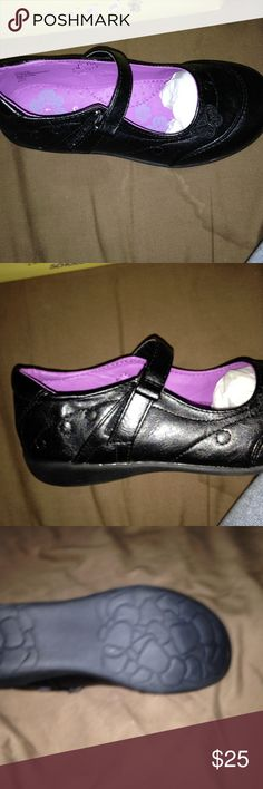 Girls school shoes New ... Butterfly style ... Black ... Purple in the inside Shoes Dress Shoes