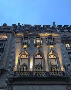 "Nastasia Michailou 🌗 on Instagram: ""Paris 💙"" Empire State Building, France, Paris, Mansions, House Styles, Pictures, Travel, Instagram, Photos"
