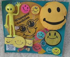 Vintage Smiley Face Arcade Machine Display Prizes Watch Lot Gumball 25 Cent 70's.