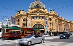 Flinders Street Station in Melbourne, Australia. I loved the Melbourne vibe. Melbourne Weather, Melbourne Travel, Melbourne Central, Places Ive Been, Places To Visit, Victoria Australia, Melbourne Victoria, Largest Countries, Fan Art