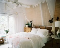 design is mine : isn't it lovely?: INTERIOR INSPIRATION : BED BED BED.