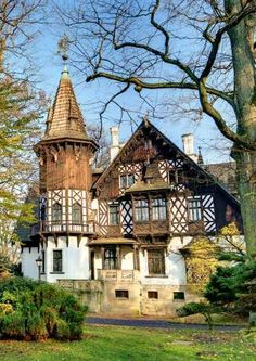 Best Small Hotels in Poland Sustainable Architecture, Art And Architecture, Architecture Details, Visit Poland, Mansions Homes, Romantic Homes, Eastern Europe, Beautiful World, Old Houses