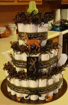 Camo diaper cake- this better be at my baby shower! Baby Shower Camo, Baby Shower Diapers, Baby Shower Gifts, Baby Gifts, Camo Diaper Cake, Diaper Cakes, Camo Cakes, Little Country Boys, Just In Case