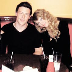 Taylor and Cory may he rest in peace Taylor Swift Songs, Taylor Swift Pictures, Taylor Alison Swift, Finn Glee, Glee Cory Monteith, Jane Lynch, Live Taylor, Swift Photo, Falling In Love With Him