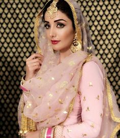 Haute spot for Indian Outfits. Bridal Suits Punjabi, Punjabi Bride, Punjabi Dress, Pakistani Bridal, Bridal Lehenga, Pakistani Dresses, Indian Bridal, Indian Dresses, Indian Outfits