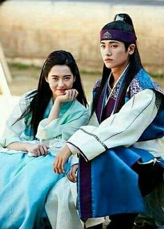 sometime hwarang character twist my mind n thinking this: since Aro didnt appreciated yr love. therefore let not save ur picture wt her. Go Ara, My Shy Boss, Kpop, Goblin, Park Seo Joon, Bts Girl, K Wallpaper, Choi Min Ho, Best Dramas