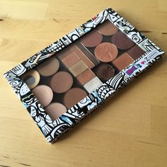 Life Without A Fun Sponge (LWFS): Depotting eyeshadows into my Z Palette