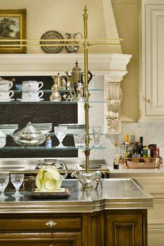 Cottage Living Kitchen by Linda L Floyd Inc Interior Design Kitchen Interior, Kitchen Decor, Kitchen Design, Kitchen Buffet, Elegant Kitchens, Beautiful Kitchens, Bespoke Kitchens, Midcentury Modern, Tops Diy