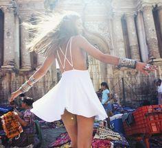 La petite robe blanche de For Love And Lemons Marilyn Monroe, Estilo Hippy, Vogue, Summer Outfits, Summer Dresses, Bikini, For Love And Lemons, Facon, Dress Me Up