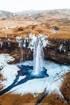 10 Things I Wish I'd Known Before Going To Iceland travel destinations 2019 Traveling to Iceland tips, 10 things I wish I'd known before going. traveling to iceland Places To Travel, Travel Destinations, Travel Things, Landscape Photography, Travel Photography, Aerial Photography, Iceland Travel Tips, Travel Guide, Travel Hacks