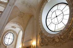 """Musée du Louvre's Verified account:   @MuseeLouvre:  Apr 23, 2018:  """"#LeSaviezVous ? Si l'escalier Lefuel a été construit par Hector Lefuel, son décor sculpté est dû à une femme, Noémi Constant dite Claude Vignon. Critique d'art et écrivaine, elle deviendra aussi l'un des plus grands sculpteurs monumentaux sous le 2nd Empire ! #WomenMW #MuseumWeek"""" https://twitter.com/MuseeLouvre/status/988417329779367936"""