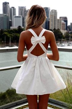 MODE THE WORLD: Adorable Backless White Dress