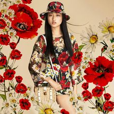 Dolce & Gabbana Summer 2016 Fashion Dress and Bag inside the Woman Collection 'Spring in the City'. Poppies and Daisies prints.