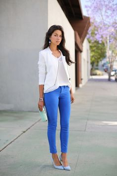 Blue jean and white blouse. Like her accessories too.