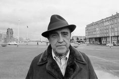 """""""Things are difficult. You get older and find yourself saying goodbye to people. Life doesn't make a lot of sense. But it's more meaningful if the will to be useful and to help your neighbour predominates. Human beings have to be realistic. We live, die and see others die – at the very least there should exist a spirit of solidarity."""" Niemeyer"""