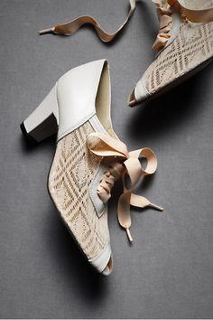 Deco Lace-Ups #wedding #shoes