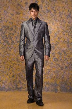 Designer Suit for Groom wedding. #Designersuits  www.manawat.in