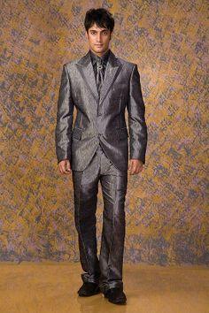 Designer Suit for Groom wedding. #Designersuits  www.manawat.in