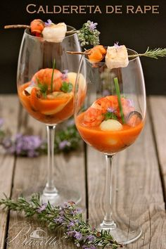 An original recipe for monkfish stew or monkfish suquet, presented in glasses, with prawns, mussels, potatoes and a touch of brandy. Shot Glass Appetizers, Appetizers For Party, Appetizer Recipes, Snack Recipes, Soup Starter, Sardine Recipes, Lobster Salad, Gluten Free Puff Pastry, Snacks