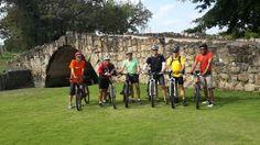 Panamá viejo pedaleando biking