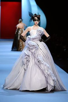 Dior Couture Kate wedding dress