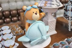 Ideas For Baby Shower Souvenirs Manualidades Teddy Bears Fondant Figures, Fondant Cake Toppers, Fondant Cakes, Cupcake Toppers, Cake Decorating With Fondant, Cookie Decorating, Planes Cake, Clay Bear, Teddy Bear Cakes
