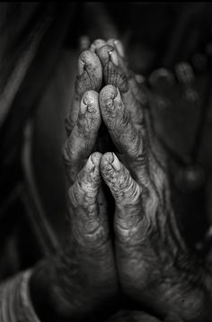PRAYERS HANDS Beauty of these hands is the wisdom embedded within the crossroad of life. I pray that whosoever it is who thinks they can control my life to stop, well therapy of God love I write. Written by Deborah White Black White Photos, Black N White, Black And White Photography, Praying Hands, Photocollage, Old Hands, We Are The World, Belle Photo, Beautiful Hands