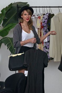 Image about beautiful in ultimate Taylor swift ~ candids, photoshoots, rares by soul searcher Taylor Swift 2014, Love Her Style, My Love, Swift Photo, Swift 3, Female Singers, Celebs, Celebrities, Celebrity