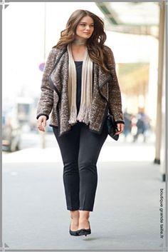 Pantalon cigarette sixties 7/8éme, un ligne affinée même en grande taille, grande tendance du moment.