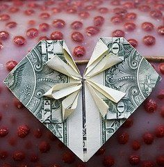 Origami Heart-For Money Or Just Paper. Valentines Days Ideas #Valentines, #pinsland, apps.facebook.com...