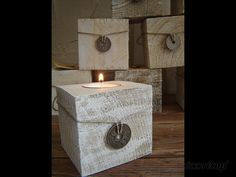 Bougeoirs en cube de palettes Cubes, Tea Lights, Candle Holders, Creations, Chandelier, Woodworking, Candles, Fabric, Inspiration