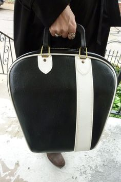 I want a vintage bowling bag to use as a suitcase!