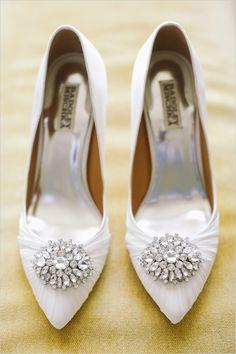 Hemosos zapatos de novia. Inspírate más en http://bodatotal.com/