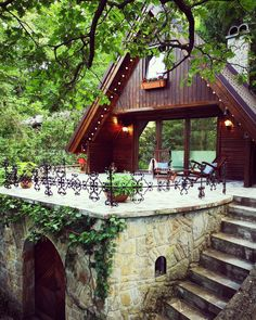 - Teljes ház/lakás ezen az áron: our lovely cabin is located in a very quiet part of the Danube bend area. It is only 45 km from Budapest, which is less than an hour drive or a 40 . Budapest, Hungary, Cabin, House Styles, Garden, Interior, Travel, Home Decor, Blog
