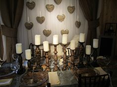 Loving This cozy Rustic Chic Table Decor