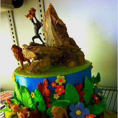 Take a look at this Lion King cake! Lion King Theme, Lion King Party, Lion King Birthday, Birthday Fun, Boy First Birthday, Birthday Ideas, Birthday Cake, Fimo Disney, Safari Cakes