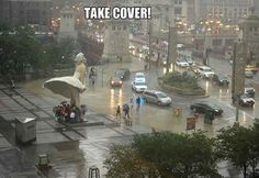 Marilyn Monroe Statue Is a Giant Skirt Umbrella   Helablog