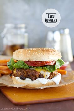 This taco burger from Taste and Tell blends two favorite summertime meals. These all-beef burger patties are seasoned with taco seasoning, grated onion, and Worcestershire sauce. Burger Recipes, Mexican Food Recipes, Beef Recipes, Cooking Recipes, Grilling Recipes, Taco Burger, Burger And Fries, Taco Pizza, The Best Burger